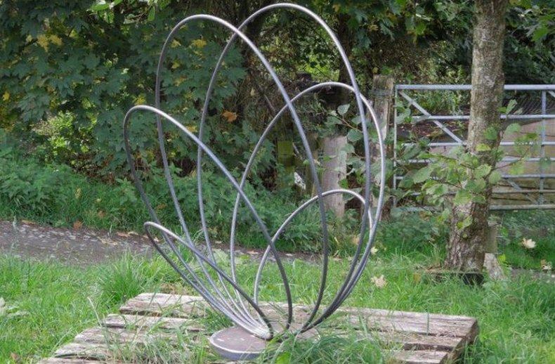 Садовая фигурка в стиле модерн