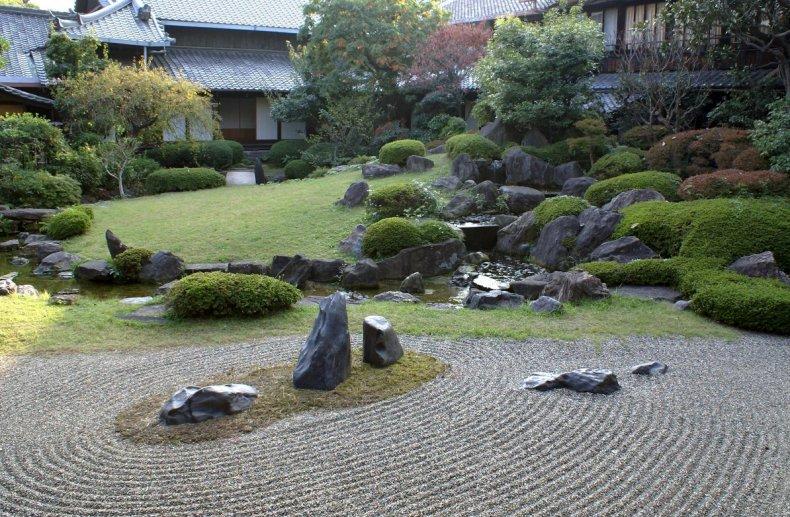 Камни в японском дизайне
