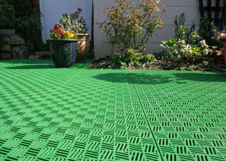 Пластиковая тротуарная плитка