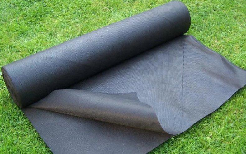 Укрывной материал для газона