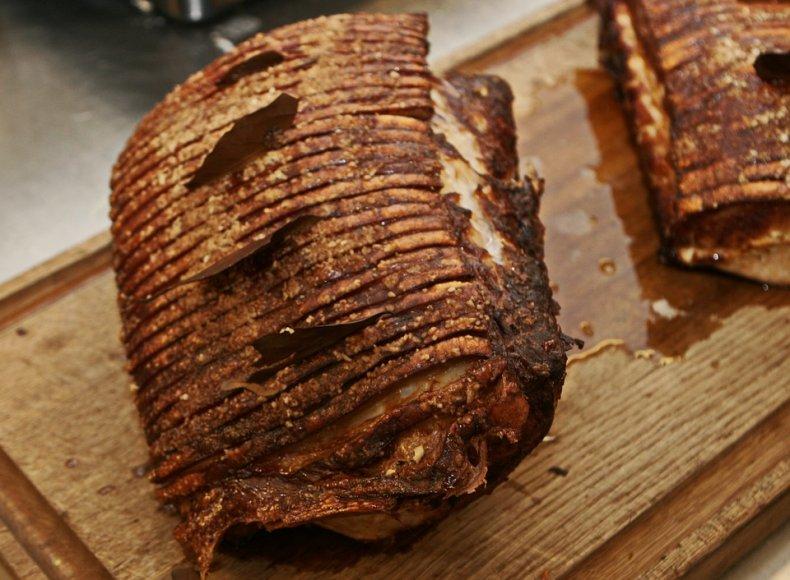 Запеченное мясо с лавровым листом