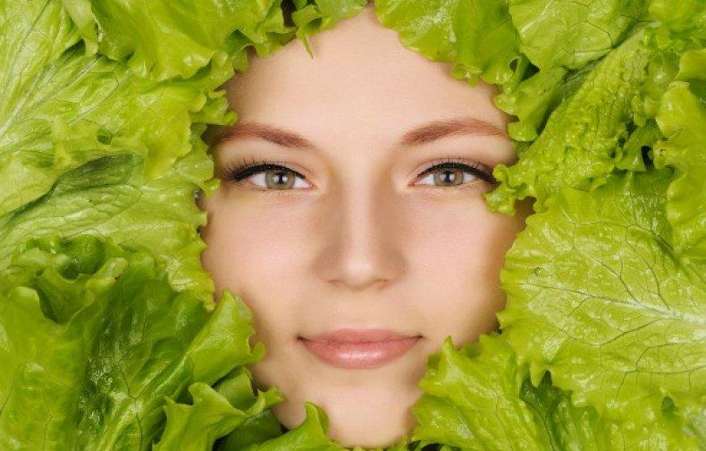 Листья салата в косметологии