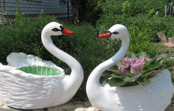 Фигурки из пластиковых бутылок для сада своими руками видео