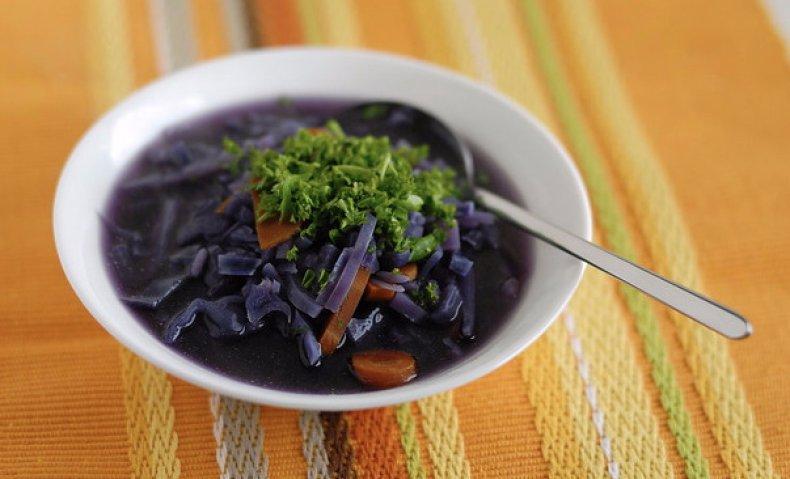 Суп из фиолетовой кппусты