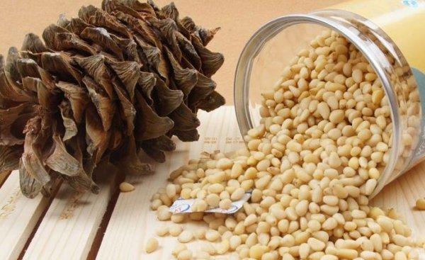 Чем полезны кедровые орехи для организма мужчин и женщин, химический состав и дневная норма?
