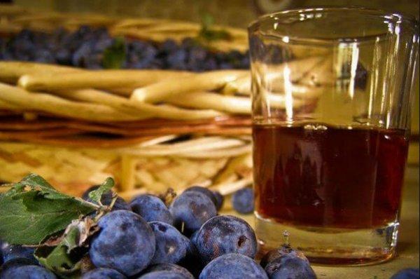 Домашние вино из кураги