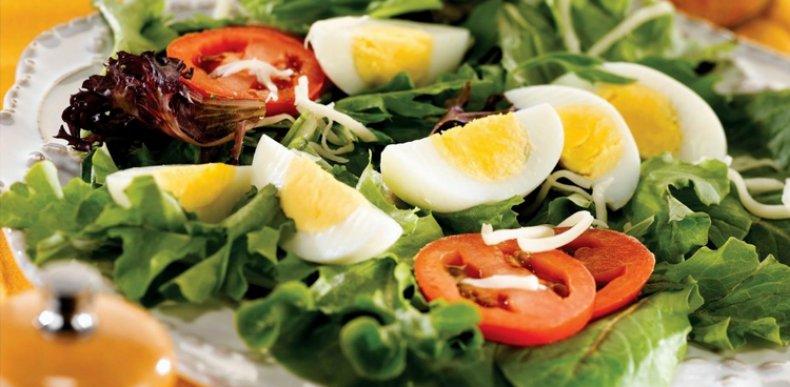 Яйца цесарки: калорийность, польза и вред