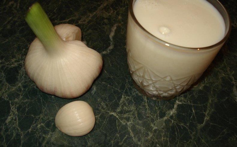 Картинки по запросу молока с чесноком