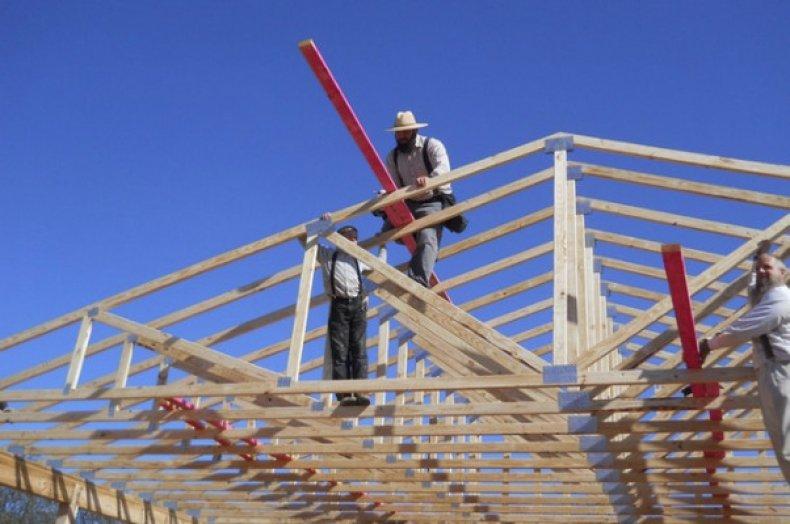 Как построить четырехскатную крышу: устройство, схема и пошаговая инструкция