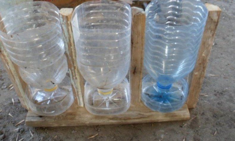 Поилки для кур из пластиковых бутылей