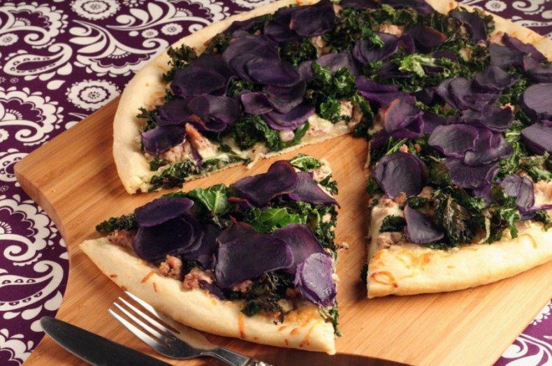 Пицца с фиолетовым картофелем
