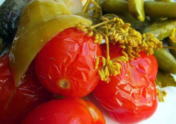 Вкусные квашеные помидоры: тройка лучших рецептов