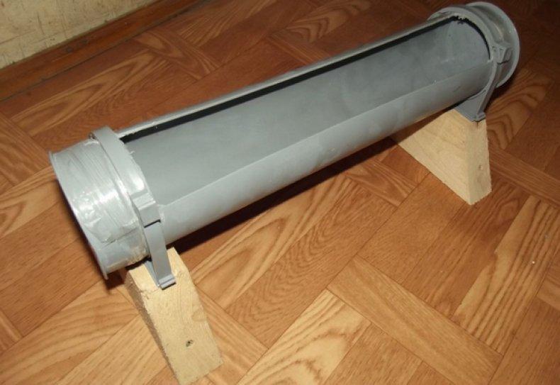 Кормушка из пластиковой трубы