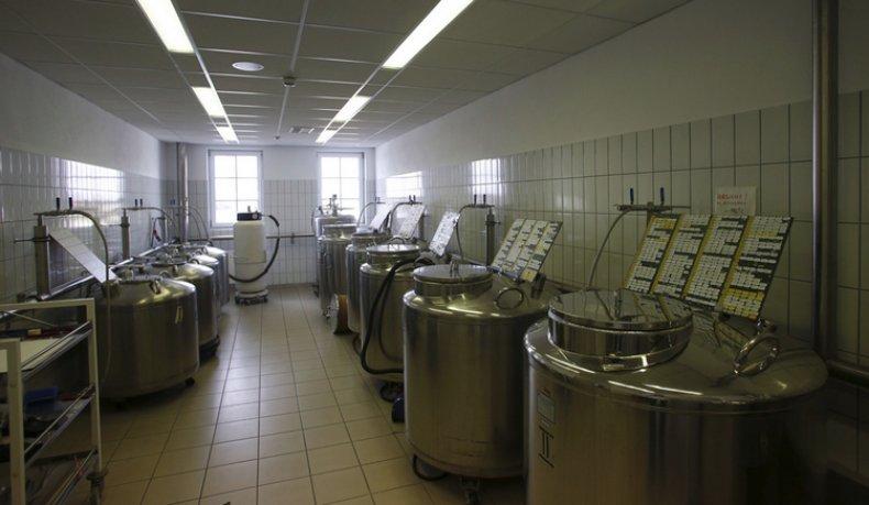 Стационарные емкости для хранения спермы